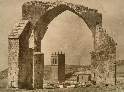 Patíbulo e Iglesia